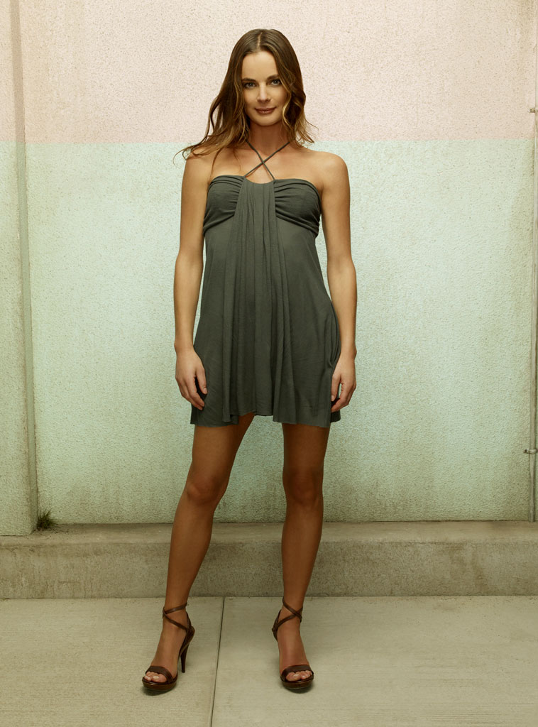 Gabrielle Anwar stars as Fionna in Burn Notice.