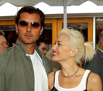 Premiere: Gavin Rossdale and Gwen Stefani at the LA premiere of Universal's Dr. Seuss' The Cat in the Hat - 11/8/2003