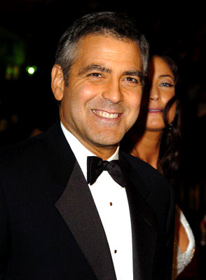 Premiere: George Clooney at the Hollywood premiere of Warner Bros. Ocean's Twelve - 12/8/2004
