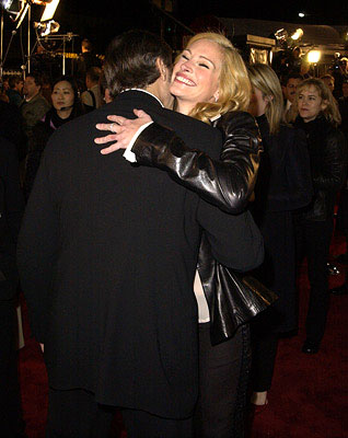 Premiere: George Clooney and Julia Roberts at the Westwood premiere of Warner Brothers' Ocean's Eleven - 12/5/2001