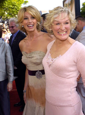 Premiere: Faith Hill and Glenn Close at the Los Angeles premiere of Paramount's The Stepford Wives - 6/6/2004