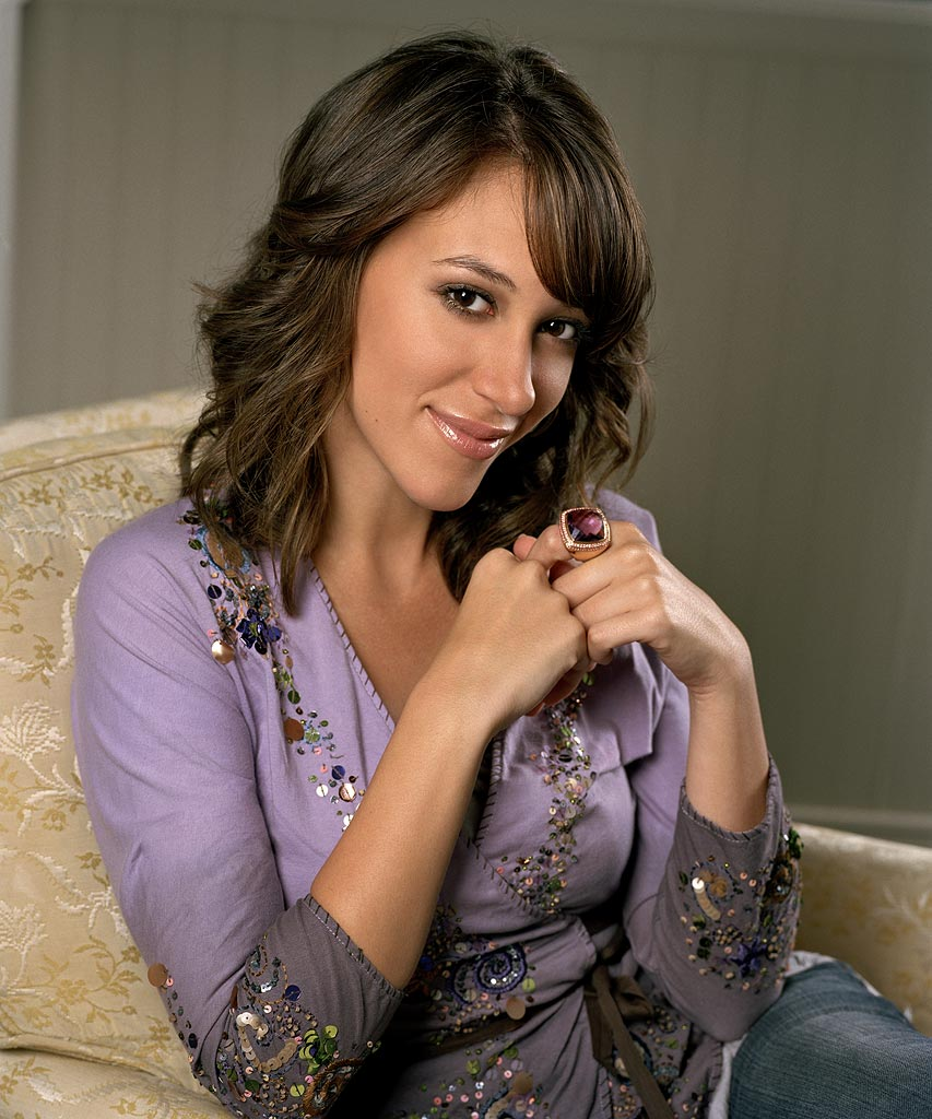 Haylie Duff stars as Sandy in 7th Heaven on The CW.