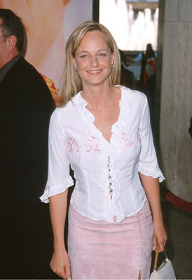 Premiere: Helen Hunt at the Loews Century Plaza premiere of Columbia's The Patriot - 6/27/2000