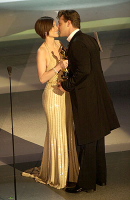 Hilary Swank and Russell Crowe 73rd Academy Awards Los Angeles, CA 3/25/2001