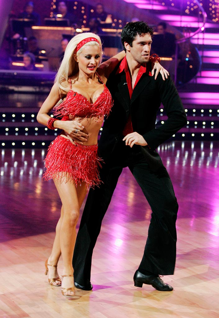 "Holly Madison and Dmitry Chaplin perform the Samba to ""Bananza (Belly Dancer)"" by Akon on ""Dancing with the Stars."""