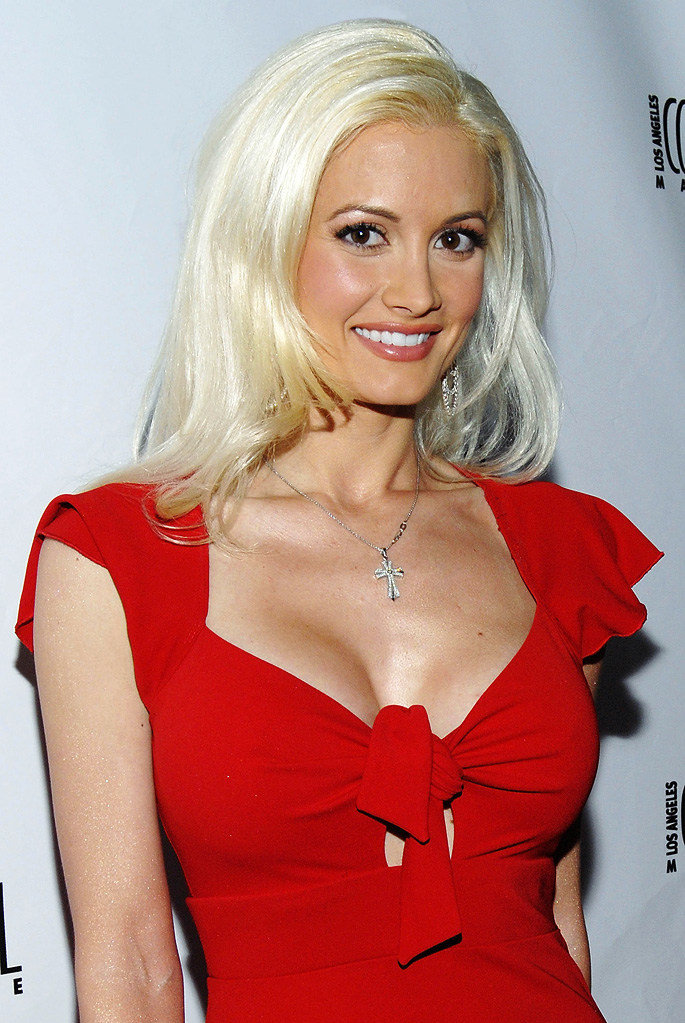 Holly Madison arrives at Los Angeles Confidential Magazine's May/June Issue Launch Party at XIV Restaurant on April 30, 2009