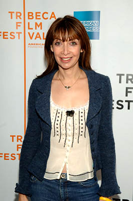 Illeana Douglas Alchemy premiere - Tribeca Film Festival April 25, 2005 - New York, NY