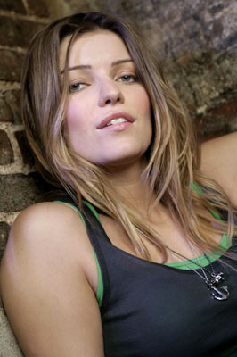 "Ivana Milicevic as Julia Hixon CBS' ""Love Monkey"""