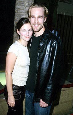 Premiere: Heather McComb and James Van Der Beek at the Egyptian Theatre premiere of Sony Pictures Classics' The Broken Hearts Club - 7/17/2000