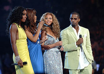 Kelly Rowland, Michelle Williams (II), Beyonce Knowles and Jamie Foxx MTV Video Music Awards - 8/28/2005