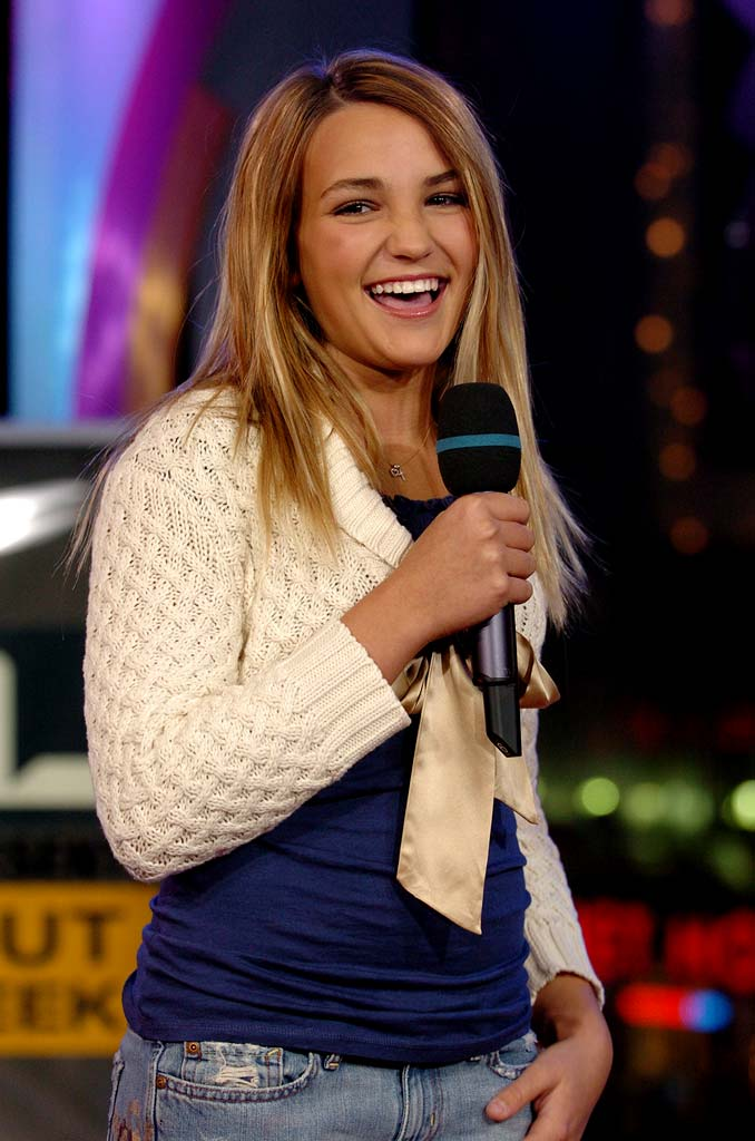 "Jamie Lynn Spears visits MTV's ""TRL"" - January 21, 2005."