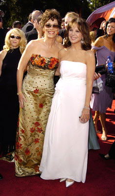 Jane Kaczmarek and Marlo Thomas 56th Annual Emmy Awards - 9/19/2004