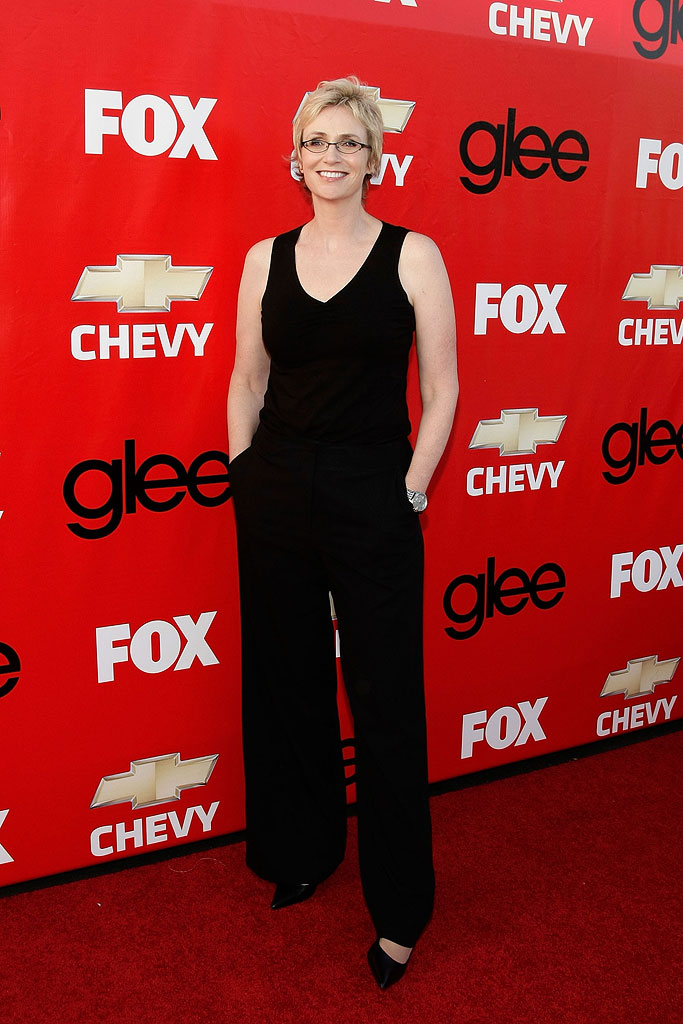"Jane Lynch attends the premiere of Fox's ""Glee"" at Willows Community School on September 8, 2009 in Culver City, California."