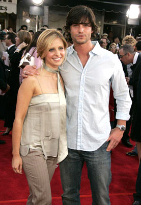 Premiere: Sarah Michelle Gellar and Jason Behr at the Los Angeles premiere of Columbia Pictures' Spider-Man 2 - 6/22/2004