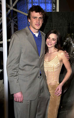 Premiere: Jason Segel and Linda Cardellini at the Hollywood premiere for Screen Gems' Slackers - 1/29/2002
