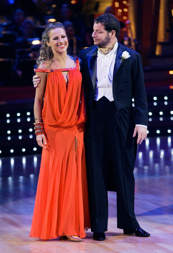 Jeffrey Ross and his professional partner Edyta Sliwinska, are the first couple to be eliminated from the 7th season of Dancing with the Stars.