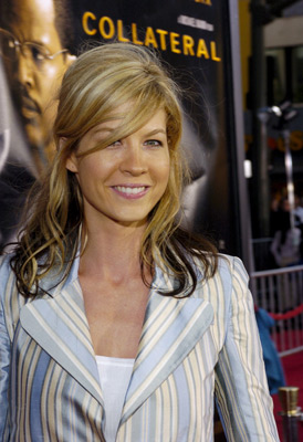 Premiere: Jenna Elfman at the LA premiere of Dreamworks SKG's Collateral - 2004