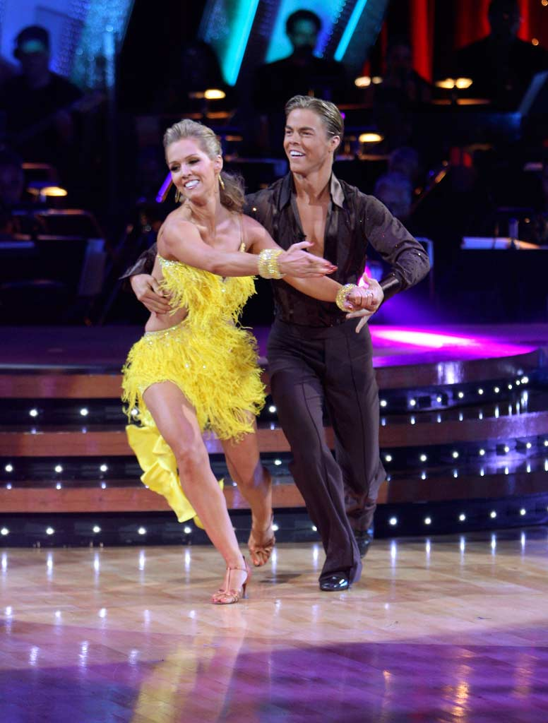 Jennie Garth and Derek Hough perform a dance on the 5th season of Dancing with the Stars.