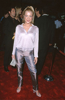 Premiere: Jennifer Aspen at the Mann's Chinese Theater premiere of Warner Brothers' Battlefield Earth - 5/10/2000