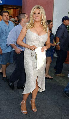 Premiere: Jennifer Coolidge at the LA premiere of Universal's American Wedding - 7/24/2003