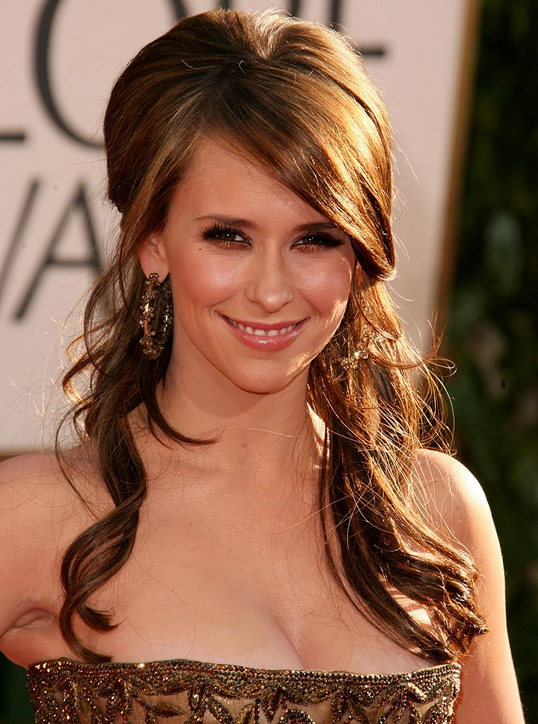 Jennifer Love Hewitt at the 64th annual Golden Globe Awards.