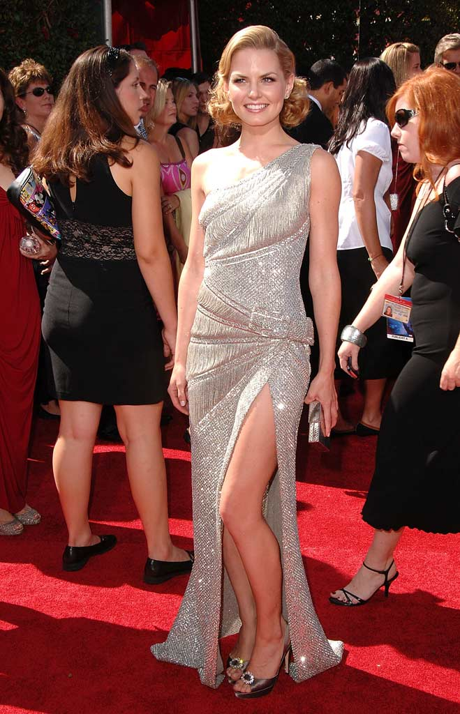 Jennifer Morrison arrives at the 59th Annual Primetime Emmy Awards at the Shrine Auditorium on September 16, 2007 in Los Angeles, California.