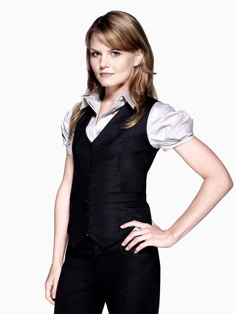 Jennifer Morrison stars as Dr. Allison Cameron on the 4th season of House.