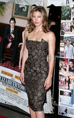 Premiere: Jessica Biel at the NY premiere of Paramount's Elizabethtown - 10/10/2005