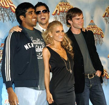Jay Chandrasekhar, Johnny Knoxville, Jessica Simpson and Seann William Scott MTV Movie Awards 2005 - Backstage Los Angeles, CA - 6/4/05