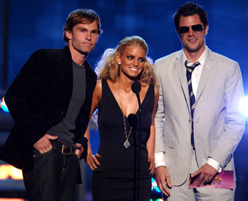 Seann William Scott, Jessica Simpson and Johnny Knoxville MTV Movie Awards 2005 - Show Los Angeles, CA - 6/4/05
