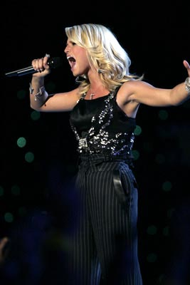 "Jessica Simpson performs ""Angels"" MTV Video Music Awards 2004 Show - 8/29/2004"