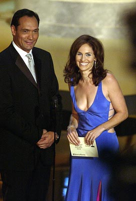 Jimmy Smits and Amy Brenneman Emmy Awards - 9/22/2002