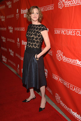 Premiere: Joan Cusack at the LA premiere of Sony Pictures Classics' Friends With Money - 3/27/2006