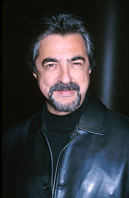 Premiere: Joe Mantegna at the Los Angeles premiere of Fine Line's State and Main - 12/18/2000
