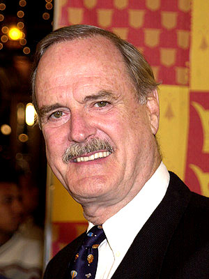 Premiere: John Cleese at the Westwood premiere of Warner Brothers' Harry Potter and The Sorcerer's Stone - 11/14/2001