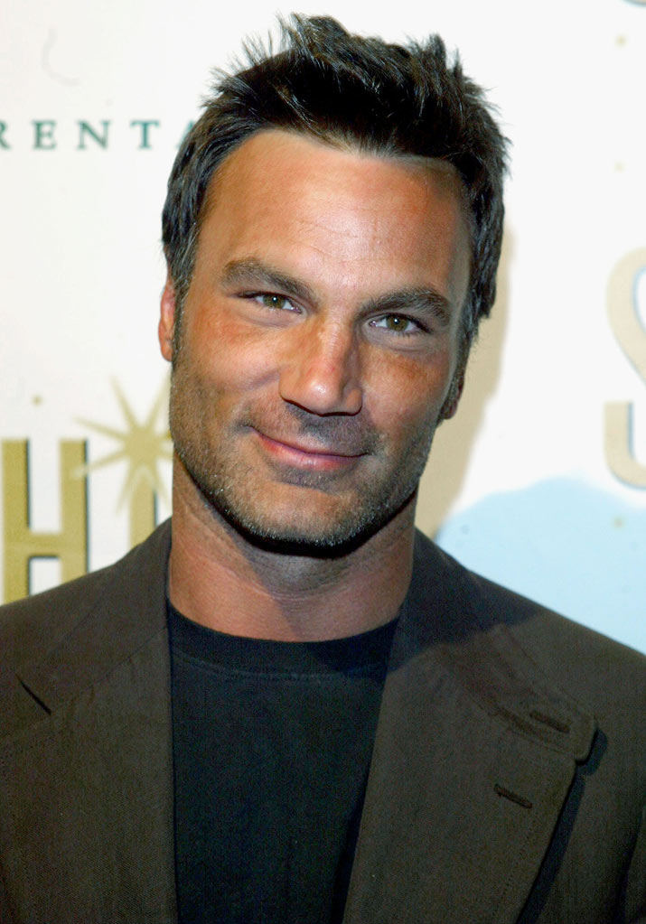 "Jonathan Antin arrives at the champagne reception for ""Shine""  November 16, 2004 at Brentano's Bookstore in Los Angeles, California."