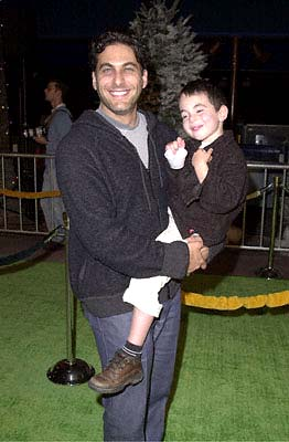 Premiere: Jonathan Penner hauls his kid off to see the new Grinch at the Universal Amphitheatre premiere of Universal's Dr. Seuss' How The Grinch Stole Christmas - 11/8/2000