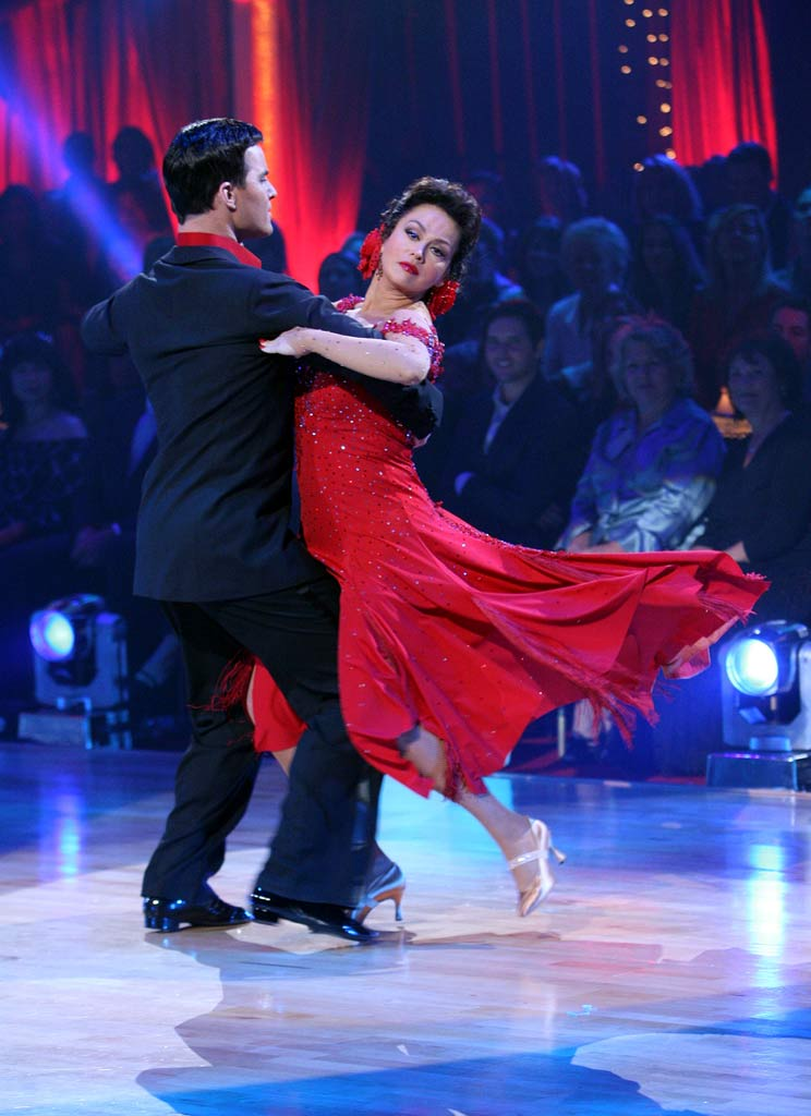 Jonathan Roberts and Marie Osmond perform a dance on the 5th season of Dancing with the Stars.
