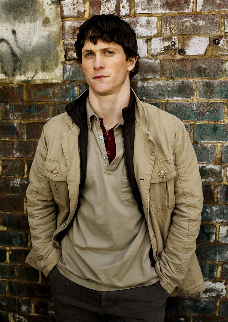 "Tommy Donnelly (Jonathan Tucker) is the second-oldest brother of ""The Black Donnellys."" He has great artistic talent, but is unable to pursue that love because he always puts his troublesome brothers above his own happiness."