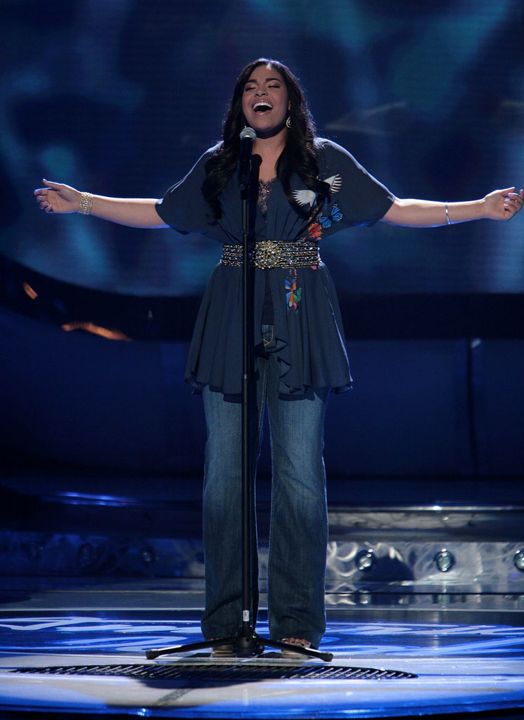 Jordin Sparks performs as one of the top 2 contestants on the 6th season of American Idol.