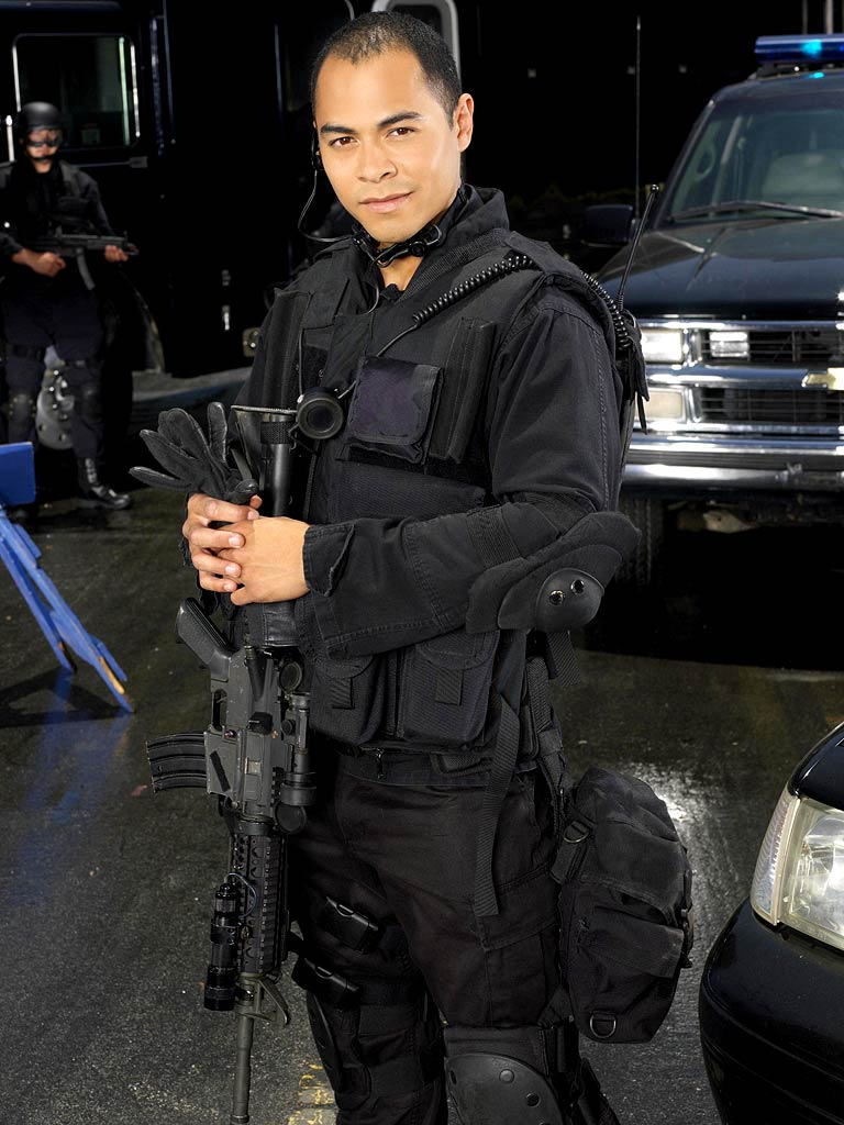 Jose Pablo Cantillo stars as Duff in Frank on FOX.