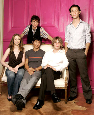"Michelle Trachtenberg, director Gregg Araki, Jeffrey Licon, Brady Corbet and Joseph Gordon-Levitt 2004 Toronto International Film Festival - ""Mysterious Skin"" Portraits"