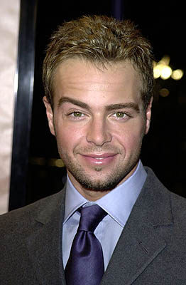 Premiere: Joey Lawrence at the Westwood premiere of Paramount's What Women Want - 12/14/2000
