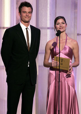 Presenters Josh Duhamel and Jill Hennessy 63rd Annual Golden Globe Awards Beverly Hills, CA - 1/16/05