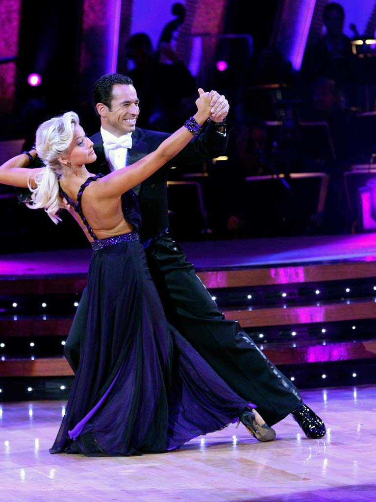 Julianne Hough and Helio Castroneves perform a dance in the 5th season of Dancing with the Stars.