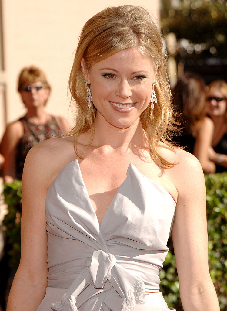 Julie Bowen at the 58th Annual Creative Arts Emmy Awards.