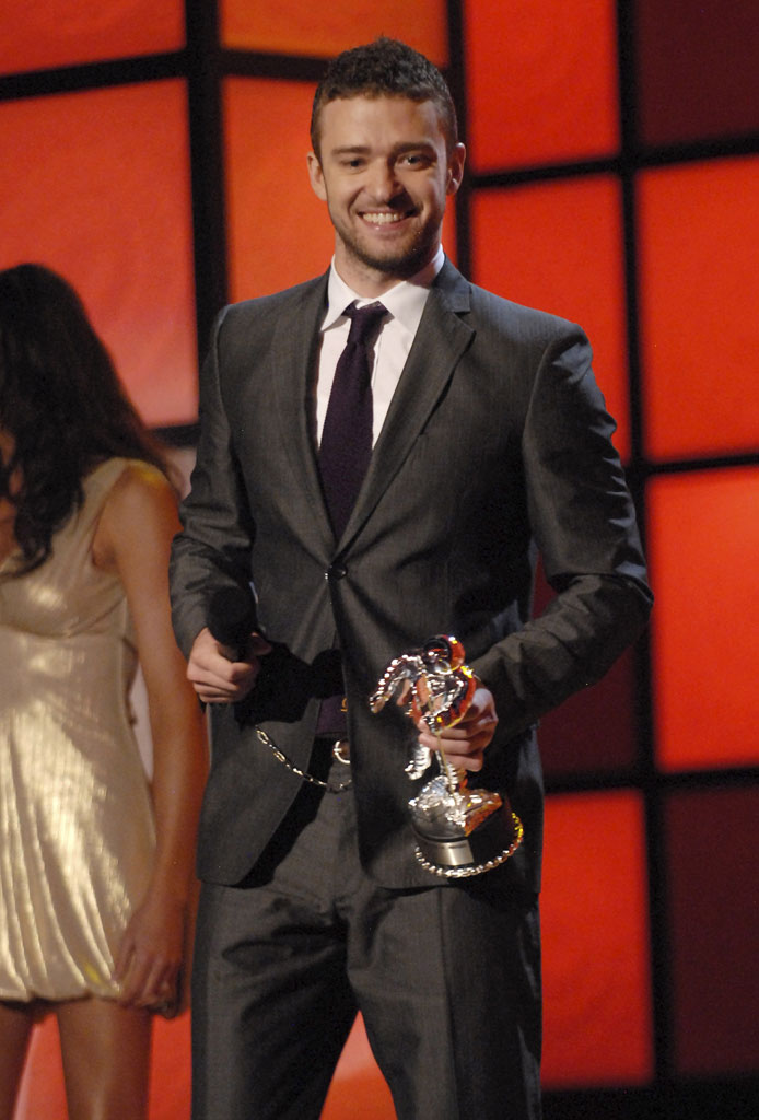 Musician Justin Timberlake at the 2007 MTV Video Music Awards at The Pearl Concert Theater .