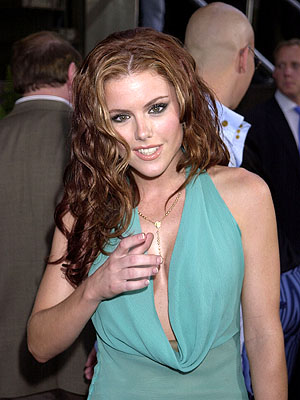 Premiere: Kathleen Robertson at the Westwood premiere of Dimension's Scary Movie 2 - 7/2/2001