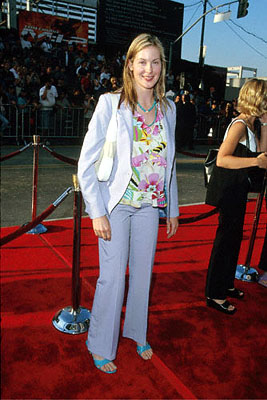 Premiere: Kelly Rutherford at The Chinese Theater premiere of Paramount's Mission Impossible 2 - 5/18/2000