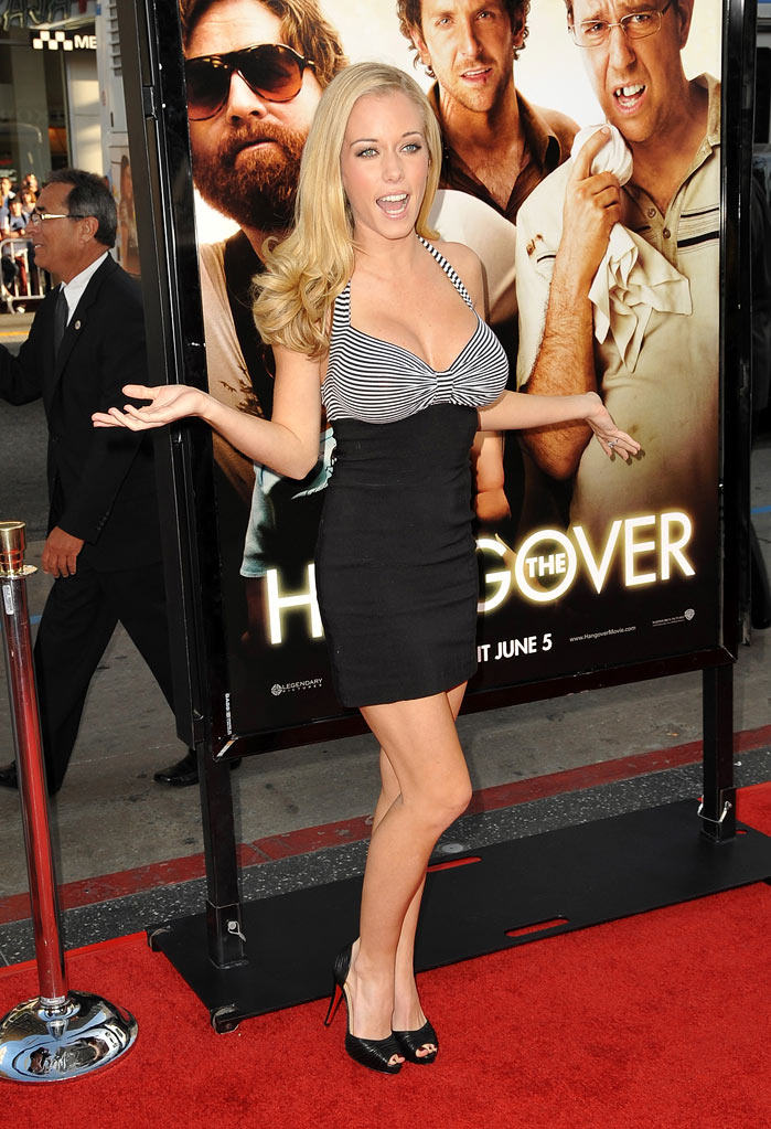 "Kendra Wilkinson arrives at the Los Angeles premiere of ""The Hangover"" at Grauman's Chinese Theatre on June 2, 2009 in Hollywood, California."